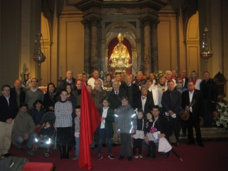 Celebrando la Misa Navarra en la Capilla de San Fermín